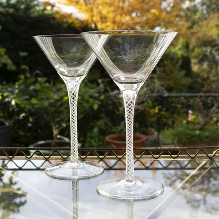 Jacobean Air Twist - 2 Cocktail Martini Glasses 200mm (Gift Boxed) | Royal Scot Crystal